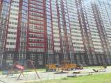 Rent new flat in Kyiv Poznyaki left bank Dragomanova 2b street